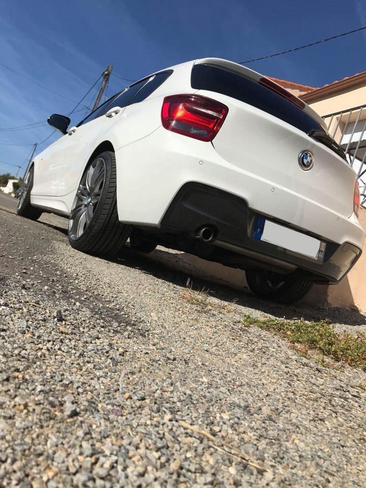 Vue arrière d'une BMW lavée